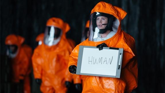 human-arrival-amy-adams-noscale
