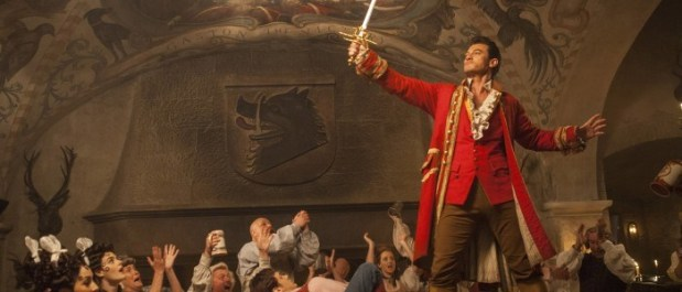 Beauty-and-the-Beast-Gaston-Luke-Evans-700x300